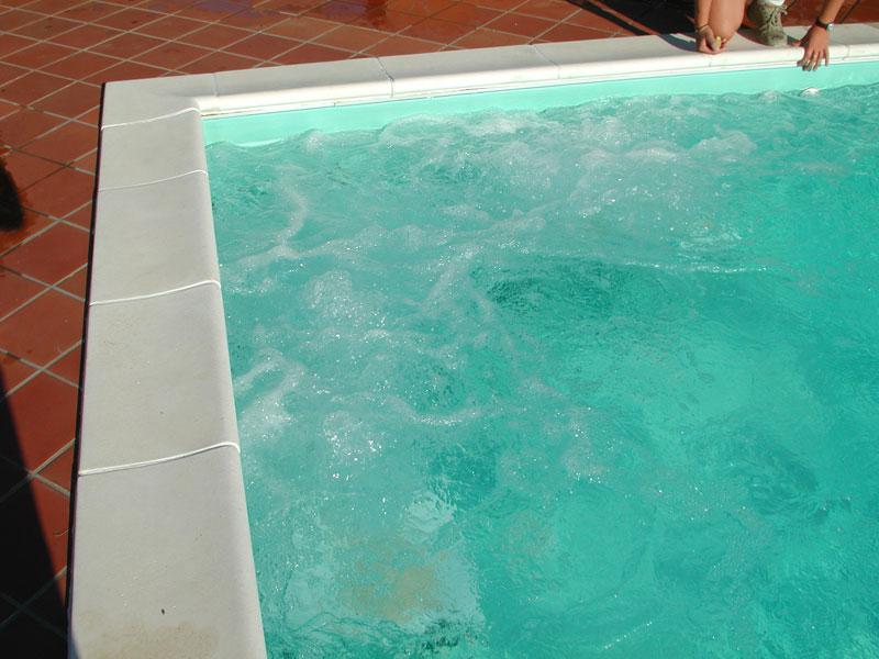 Bordi per piscina la casa del giardino snc di paniccia for Bordi per piscine prezzi